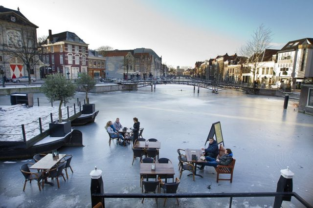 Leiden, Netherlands on the ice 672