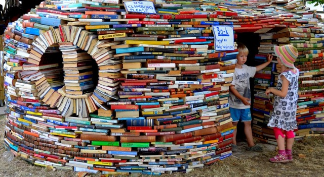 Book Fort 2g4h