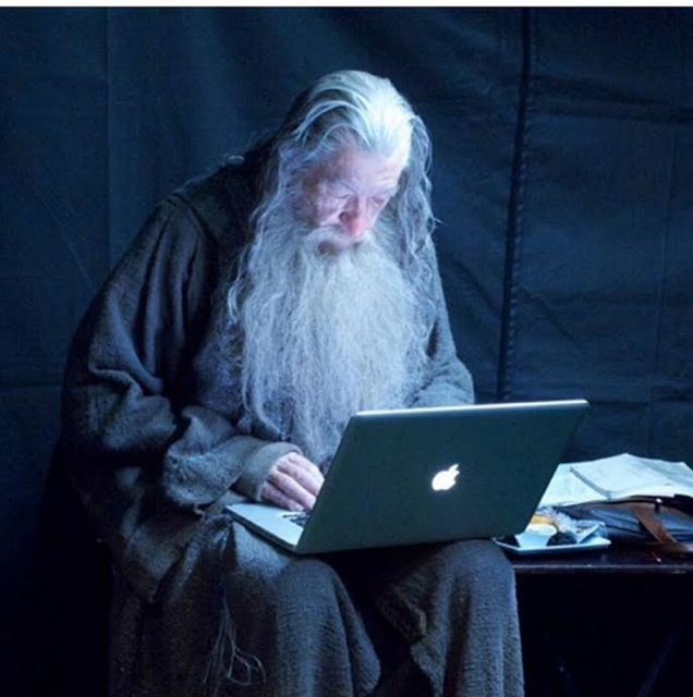 Gandalf checking his emails 3e6jl0