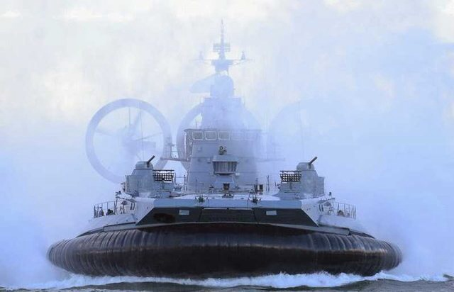 amphibious hovercraft war machine 235gv9