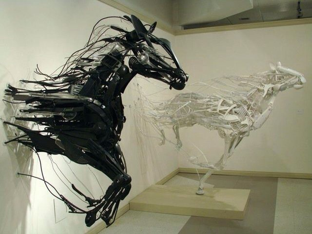 Horse art made from kitchen utensils 1b2n