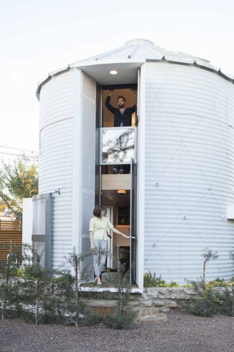 grain-silo-white-metal-exterior_0-466x700