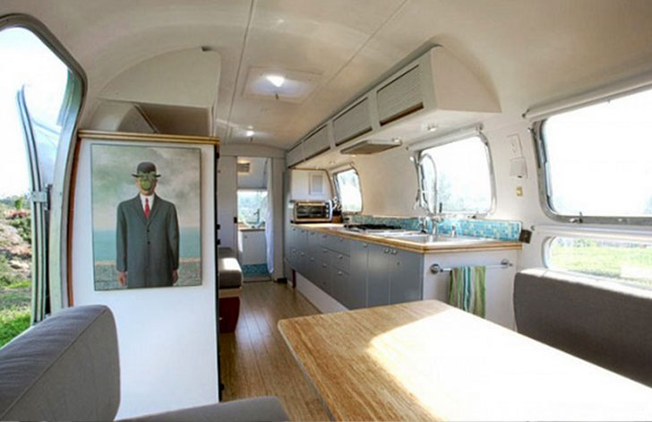 Tesla-Mobile-Home-Art-Interior