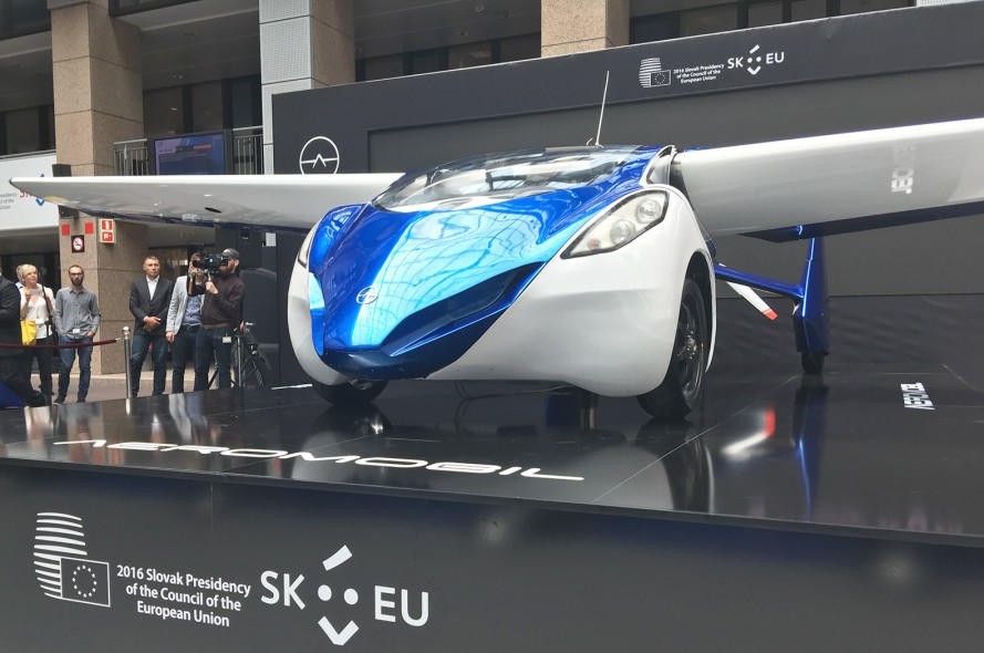 aeromobil-3.0-flying-car-889x590