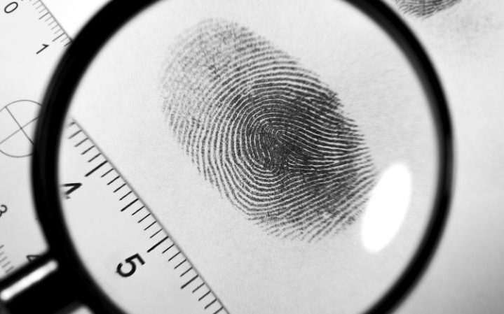 magnifying-glass-looking-at-fingerprint-on-paper-large_trans++Ki6rltZFBXl4Naz-Z8Ky_wZahjoHOaSdYp5wt5RPc5I
