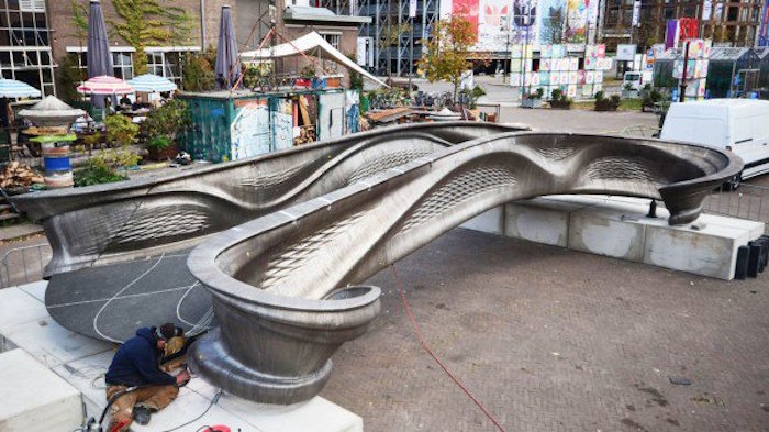 6.-mx3d-printed-bridge-at-ddw-by-adriaan-de-groot-1500x630_1