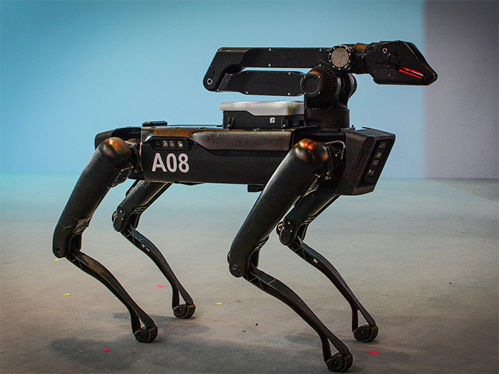 boston-dynamics-spotmini-robot8h6f4s